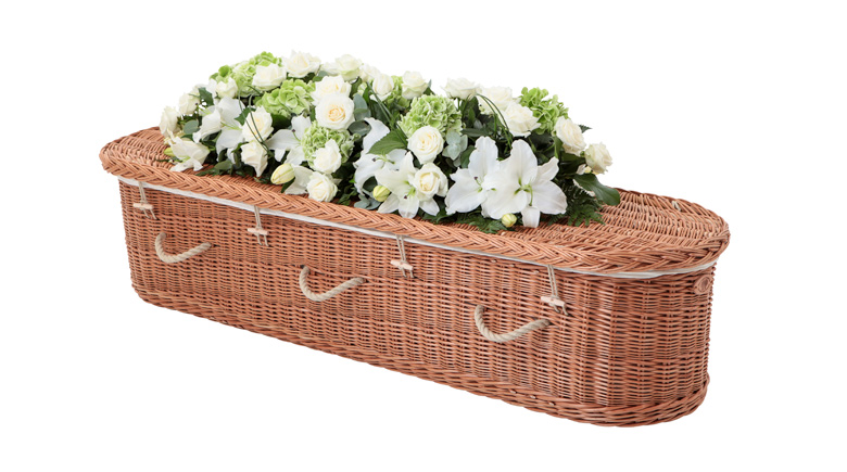 Curved-End-Willow-Coffin-with-Rope-Handles